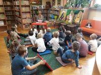 Wycieczka pierwszoklasistów do Gminnej Biblioteki
